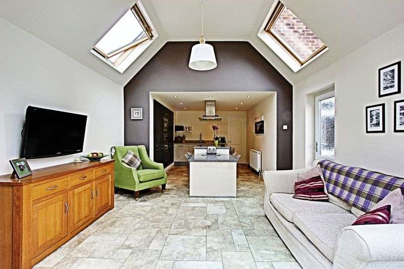 4 Bedrooms Detached Bungalow for sale in Nunburnholme Avenue, North Ferriby