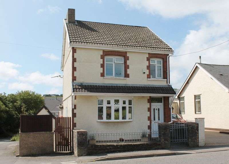 4 Bedrooms Detached House for sale in Gilfach Road, Tonyrefail, CF39 8HH