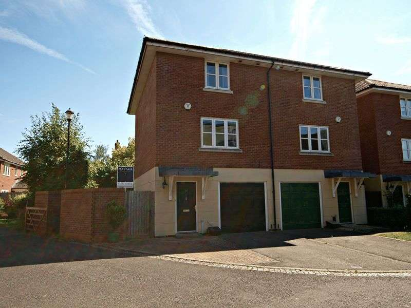 3 Bedrooms Semi Detached House for sale in Royal Victoria Park, Bristol