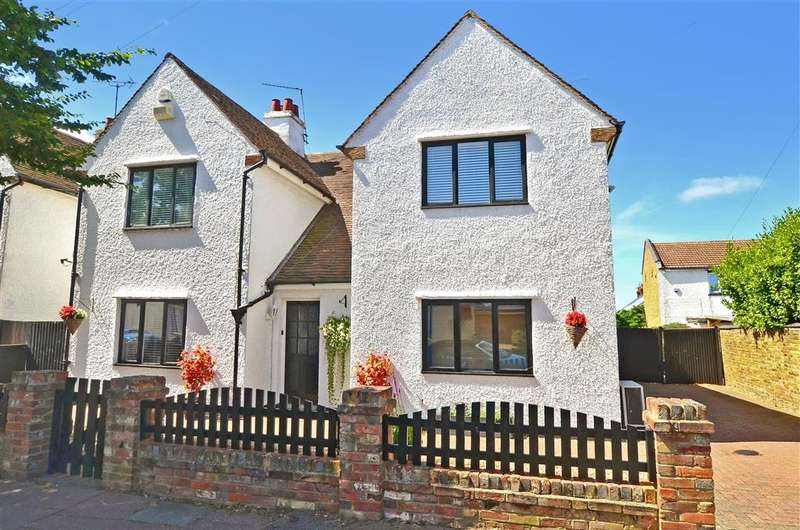 4 Bedrooms Detached House for sale in Stanley Road, Herne Bay, Kent