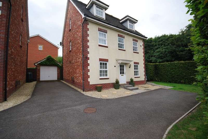 6 Bedrooms Property for sale in Grosmont Way, Coedkernew, Newport, South Wales. NP10 8UQ