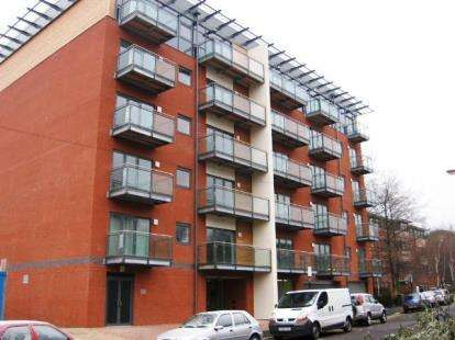 1 Bedroom Flat for sale in Porterbrook 2, 3 Pomona Street, Sheffield, South Yorkshire