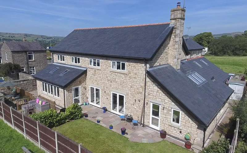 5 Bedrooms Property for sale in Guide Court, Edenfield, Ramsbottom