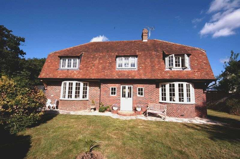 4 Bedrooms Detached House for sale in Roundwell, Bearsted