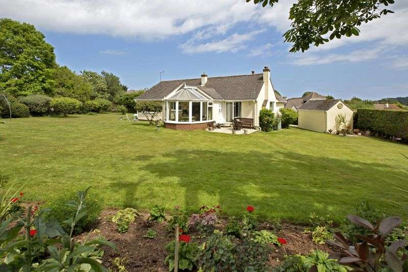 4 Bedrooms Bungalow for sale in HIGHER WARBOROUGH ROAD, GALMPTON
