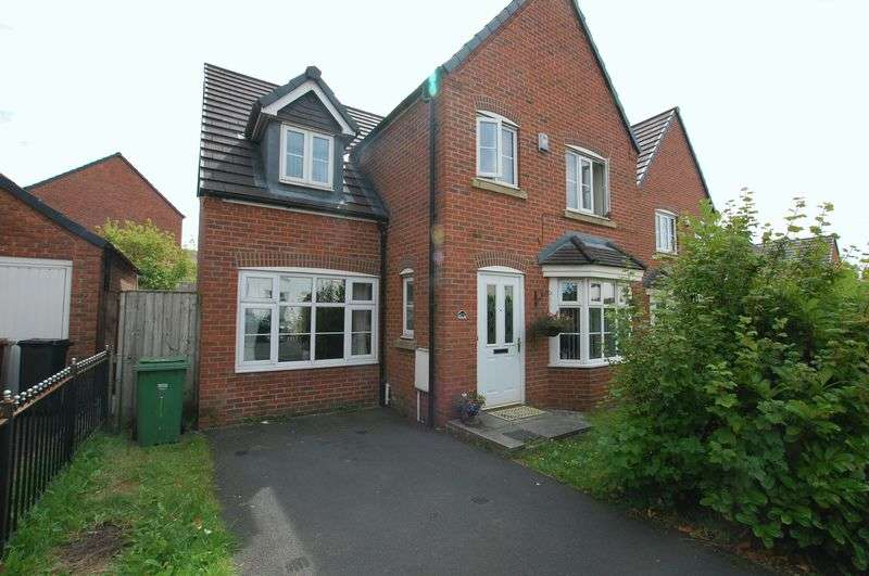 4 Bedrooms Detached House for sale in Lord Street, Bolton