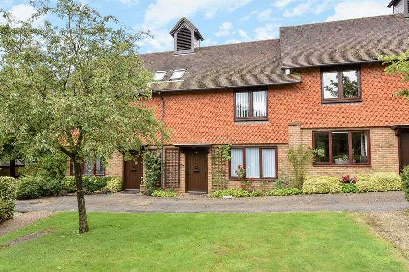 2 Bedrooms Cottage House for sale in Crittles Court, Townlands Road, Wadhurst