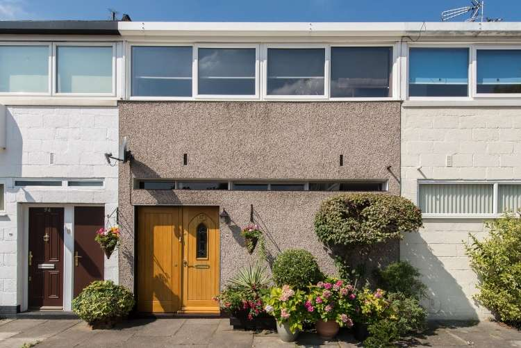 3 Bedrooms Terraced House for sale in Combe Avenue Blackheath SE3