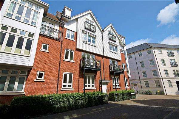 2 Bedrooms Apartment Flat for sale in Tannery Way North, Canterbury