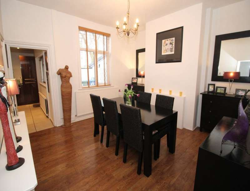 2 Bedrooms Semi Detached House for sale in Bolton Road, Radcliffe, Manchester, M26