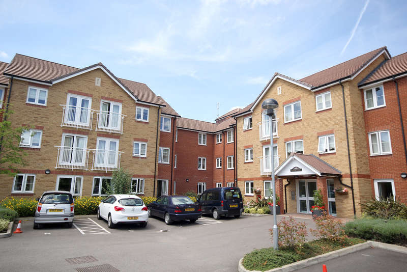 1 Bedroom Flat for sale in Goodes Court, Royston