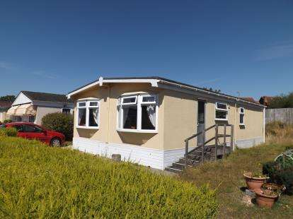 2 Bedrooms Retirement Property for sale in Fleet End Road, Warsash, Southampton