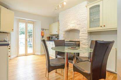 3 Bedrooms Terraced House for sale in Dartmouth