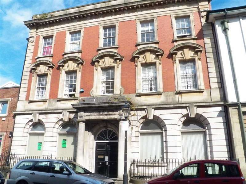 1 Bedroom Flat for sale in Pembroke Buildings, Cambrian Place, Swansea Central
