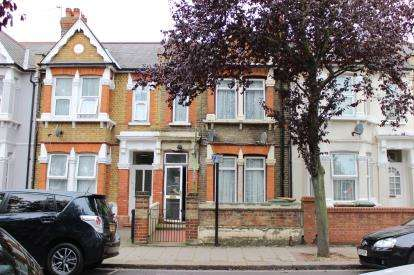 3 Bedrooms Terraced House for sale in London, Plaistow