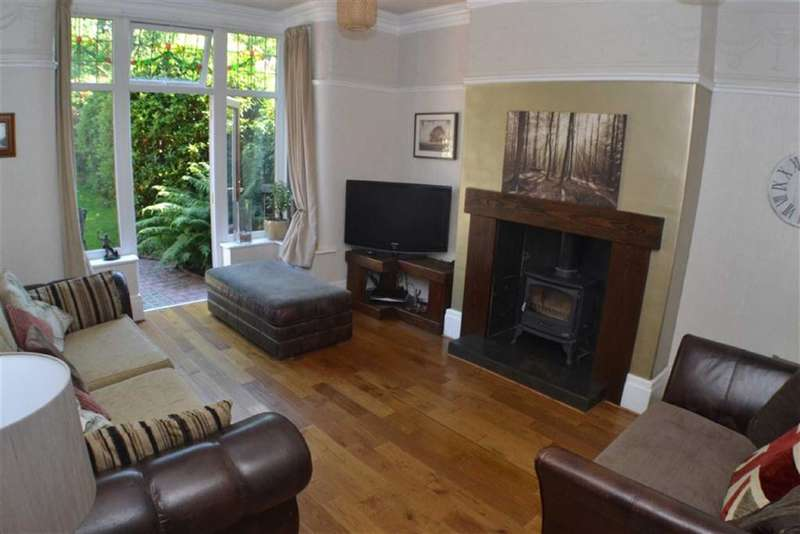 3 Bedrooms Property for sale in Knowle Avenue, Ashton-under-lyne, Lancashire, OL7