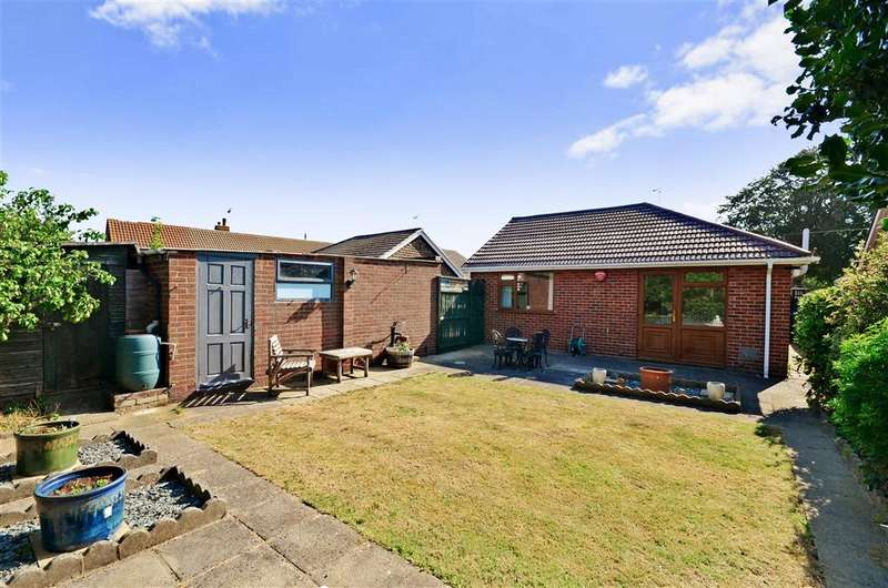 3 Bedrooms Detached Bungalow for sale in Kings Avenue, Broadstairs, Kent