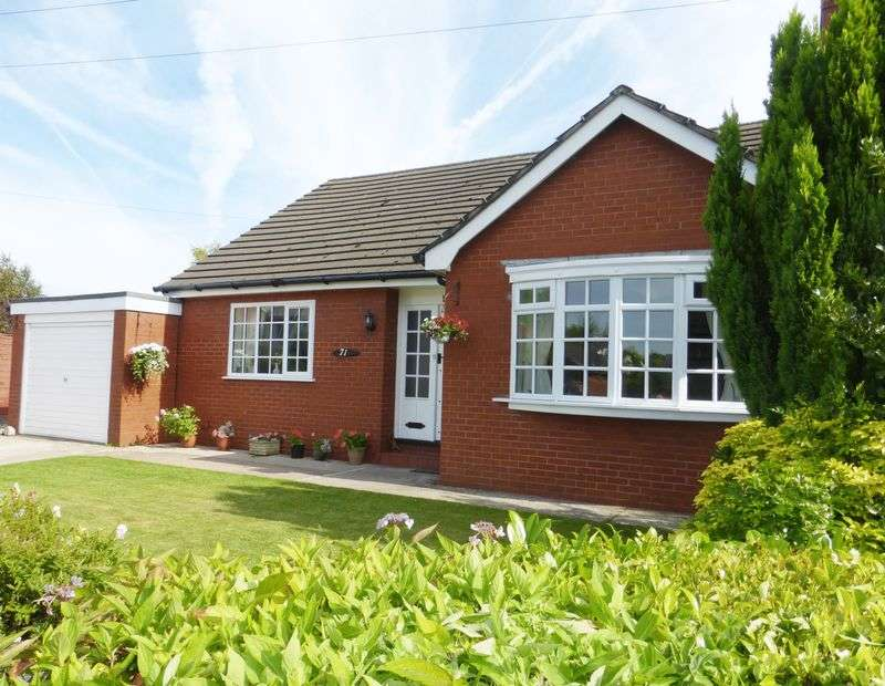 4 Bedrooms Detached Bungalow for sale in Liverpool Old Road , Much Hoole, Preston