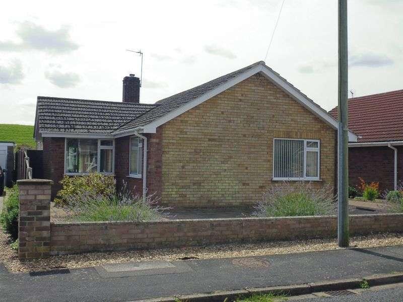 3 Bedrooms Detached Bungalow for sale in Kennedy Road, Bracebridge Heath