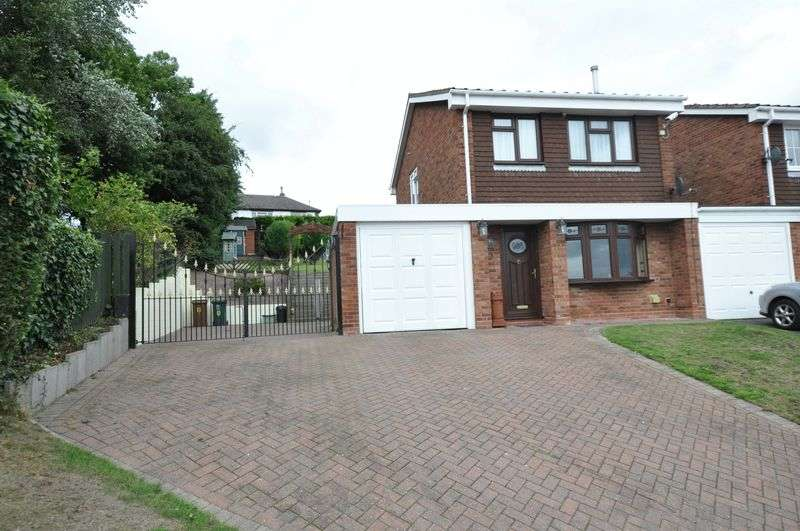 3 Bedrooms Detached House for sale in Milton Avenue
