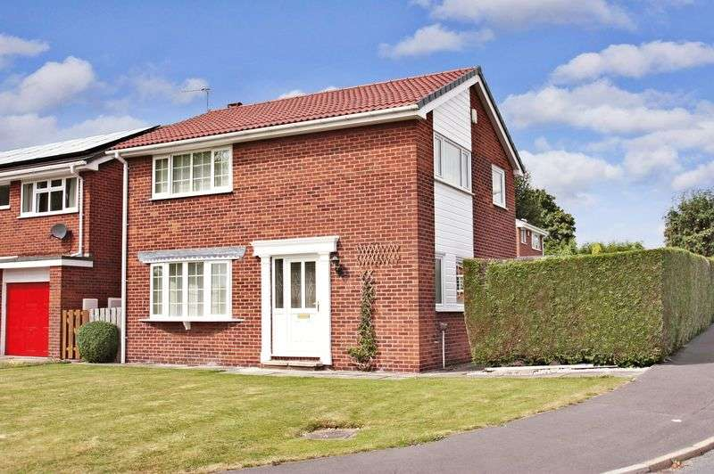 4 Bedrooms Detached House for sale in Sandringham Close, Pontefract
