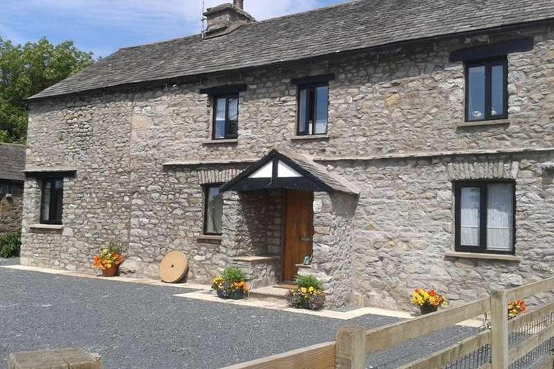 4 Bedrooms House for sale in Field End Farm, Stainton, Kendal, Cumbria LA8 0LF