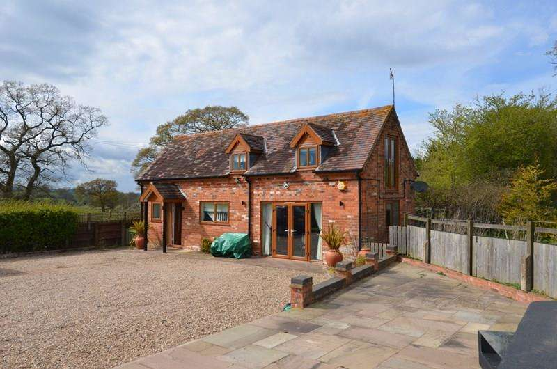 2 Bedrooms Detached House for sale in Lilley Green Road, Alvechurch