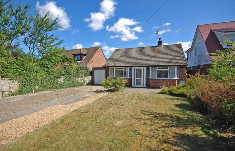 2 Bedrooms Bungalow for sale in Witham Road, Black Notley, Braintree, CM77