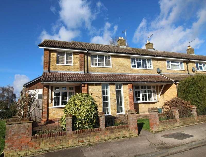 4 Bedrooms Semi Detached House for sale in Dellcut Road, Hemel Hempstead, HP2