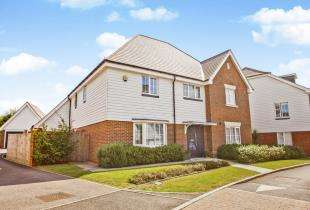 5 Bedrooms Detached House for sale in Joseph Conrad Drive, Aldington, Ashford, Kent