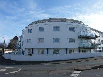 2 Bedrooms Flat for sale in 8 Sands Road, Paignton, Devon