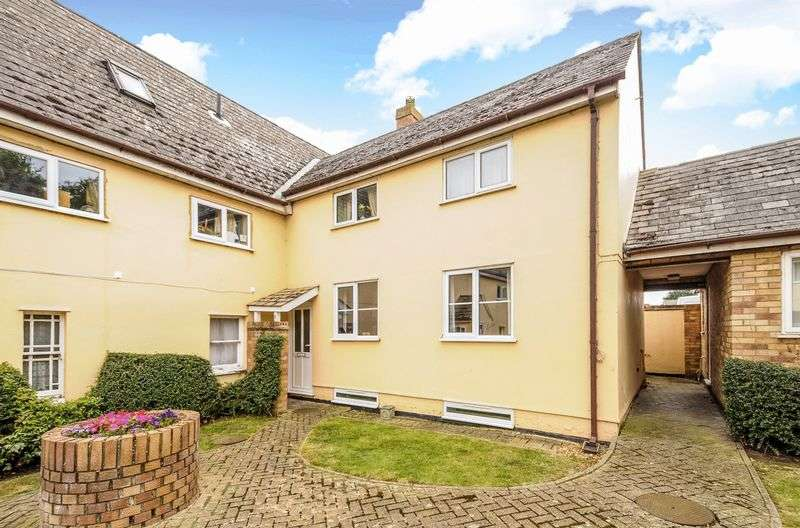 3 Bedrooms Flat for sale in Great Whyte, Ramsey