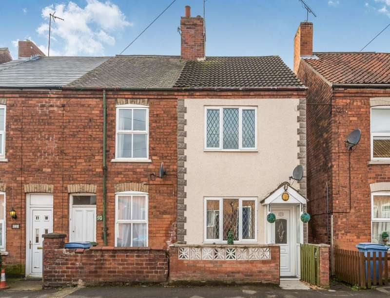 3 Bedrooms Semi Detached House for sale in Darrel Road, Retford, DN22