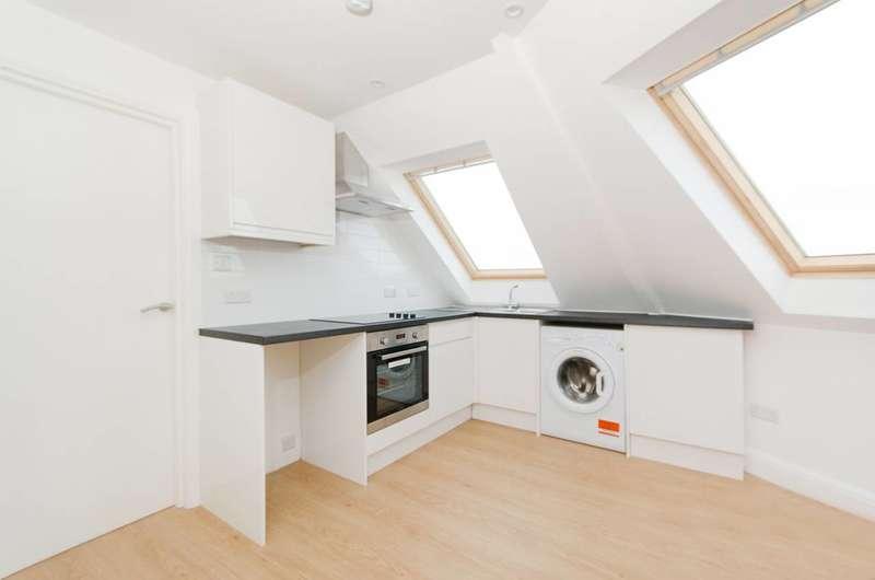 2 Bedrooms Flat for sale in Preston Road, Preston, HA3