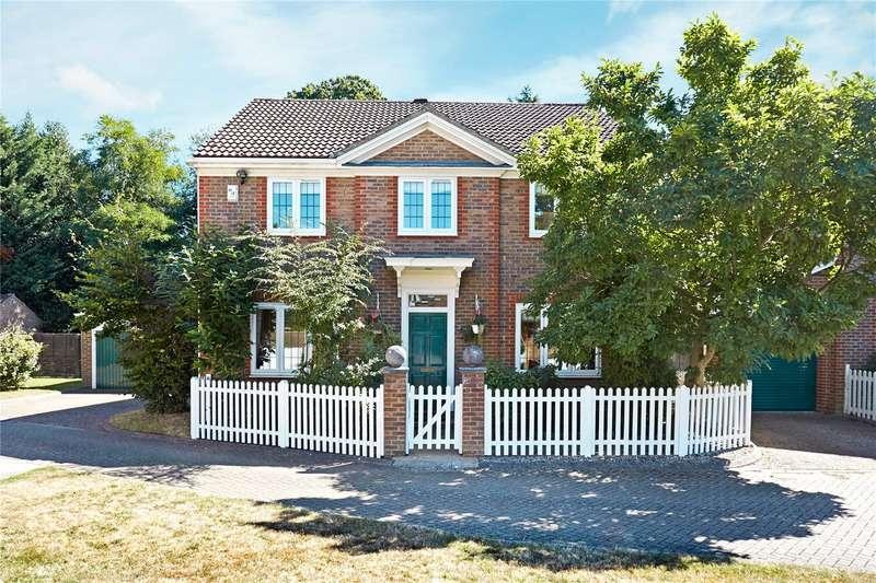 4 Bedrooms Detached House for sale in Rowan Green, Weybridge, Surrey, KT13