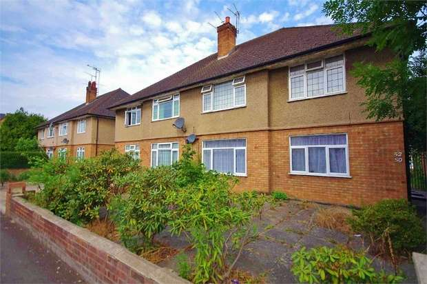 2 Bedrooms Flat for sale in Whippendell Road, WATFORD, Hertfordshire