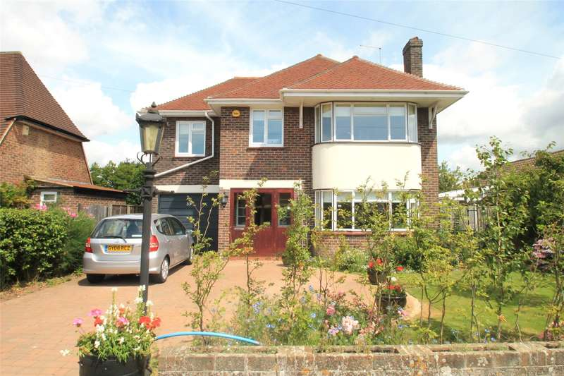 4 Bedrooms Detached House for sale in Park Drive, Rustington, West Sussex, BN16