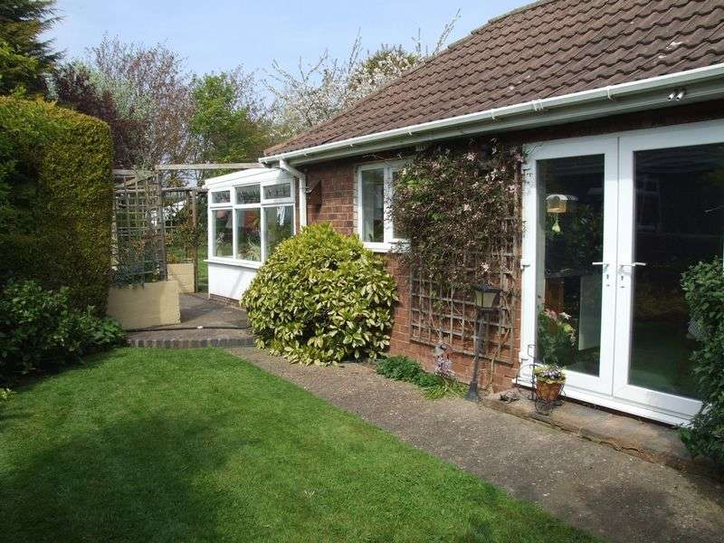 4 Bedrooms Detached Bungalow for sale in College Road, East Halton