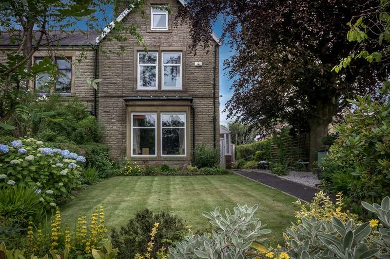 6 Bedrooms Semi Detached House for sale in Padiham Road, Burnley, Lancashire, BB12