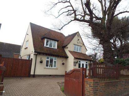 3 Bedrooms Detached House for sale in Aveley, South Ockendon, Essex