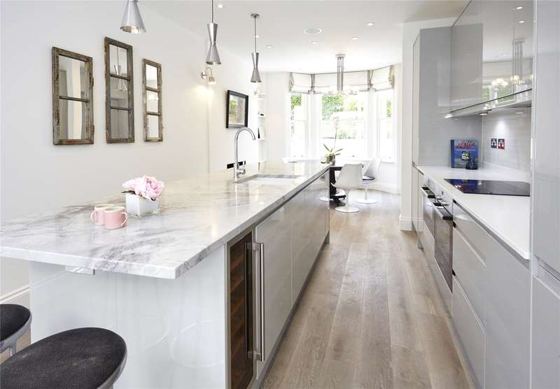 4 Bedrooms Semi Detached House for sale in Galveston Road, London, SW15