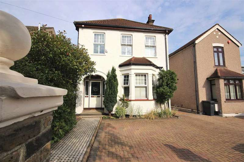 3 Bedrooms Detached House for sale in Victoria Avenue