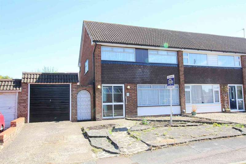 3 Bedrooms Semi Detached House for sale in Highland Drive, Leverstock Green