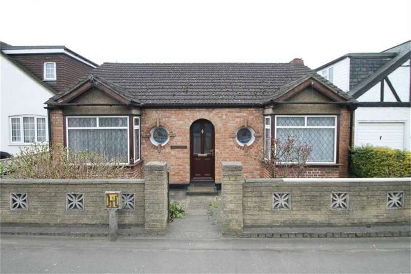3 Bedrooms Property for sale in Uxbridge Road, Hillingdon, Middlesex