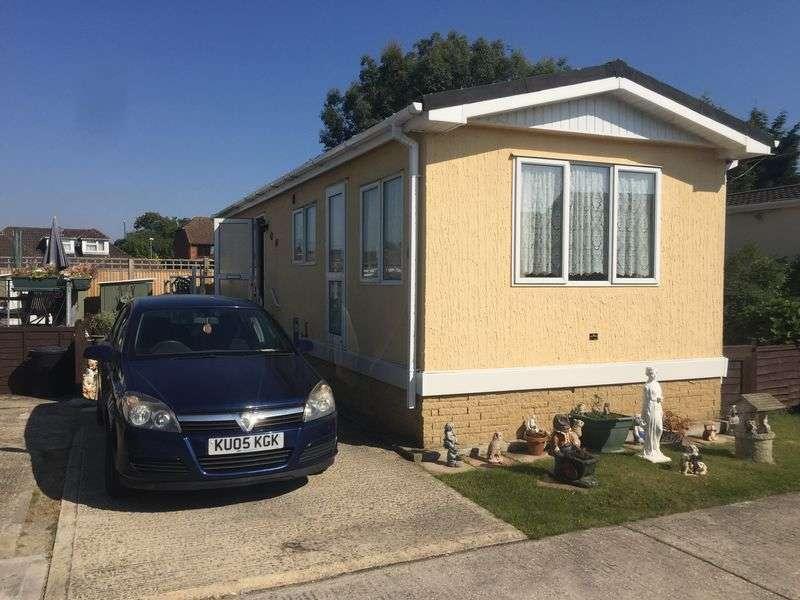 2 Bedrooms Bungalow for sale in Shripney Road, Bognor Regis