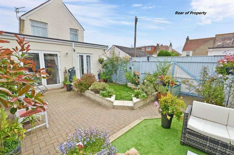 3 Bedrooms Detached House for sale in Orient Road, Preston, Paignton