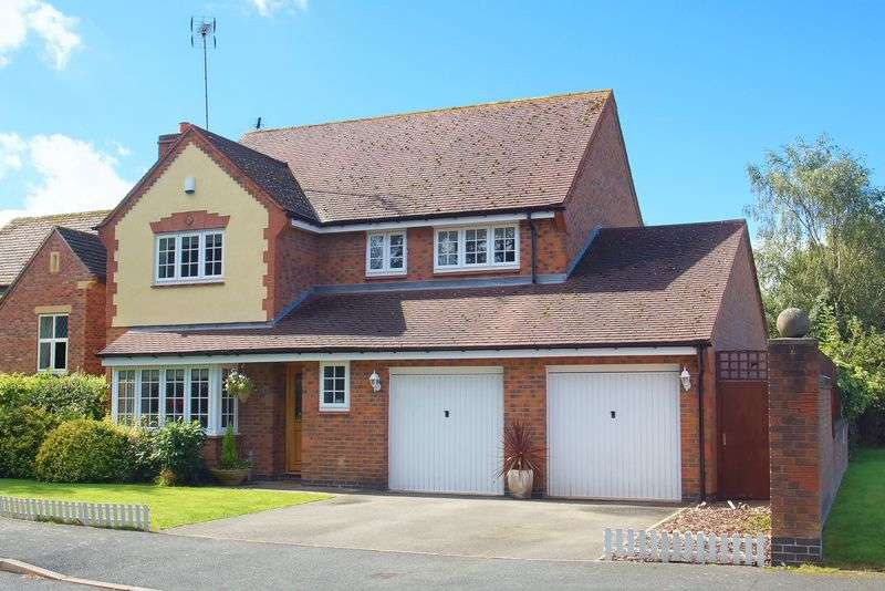 4 Bedrooms Detached House for sale in Abbeyfields Drive, Studley, Warwickshire