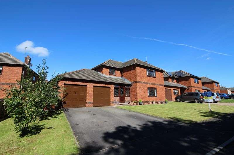 4 Bedrooms Detached House for sale in Brynteg Lane, Beddau, Pontypridd, CF38 2JR