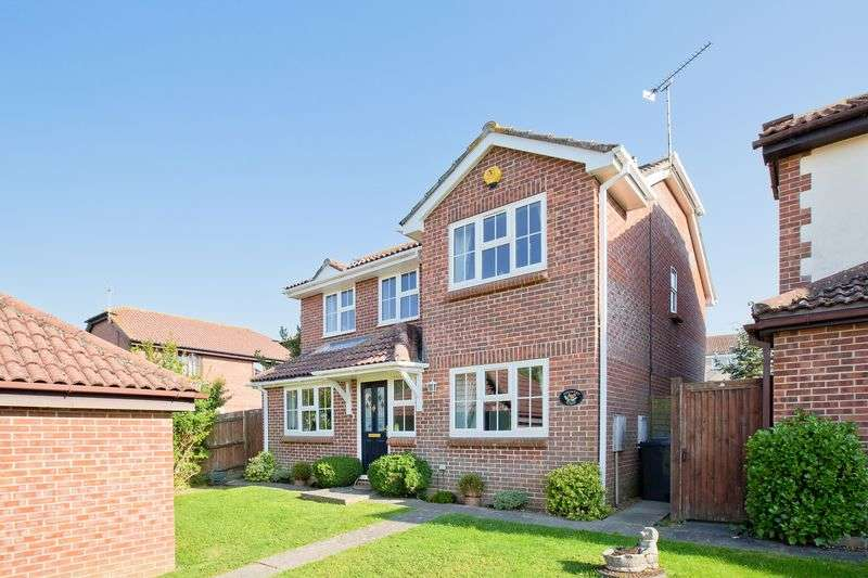 4 Bedrooms Detached House for sale in Perryfields, Burgess Hill
