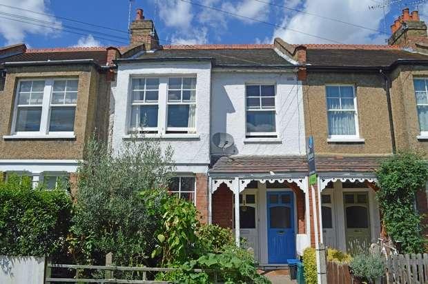 3 Bedrooms Maisonette Flat for sale in Godstone Road, St Margarets, Twickenham
